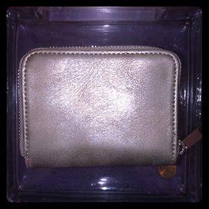 Handbags - 🌸grey wallet🌸